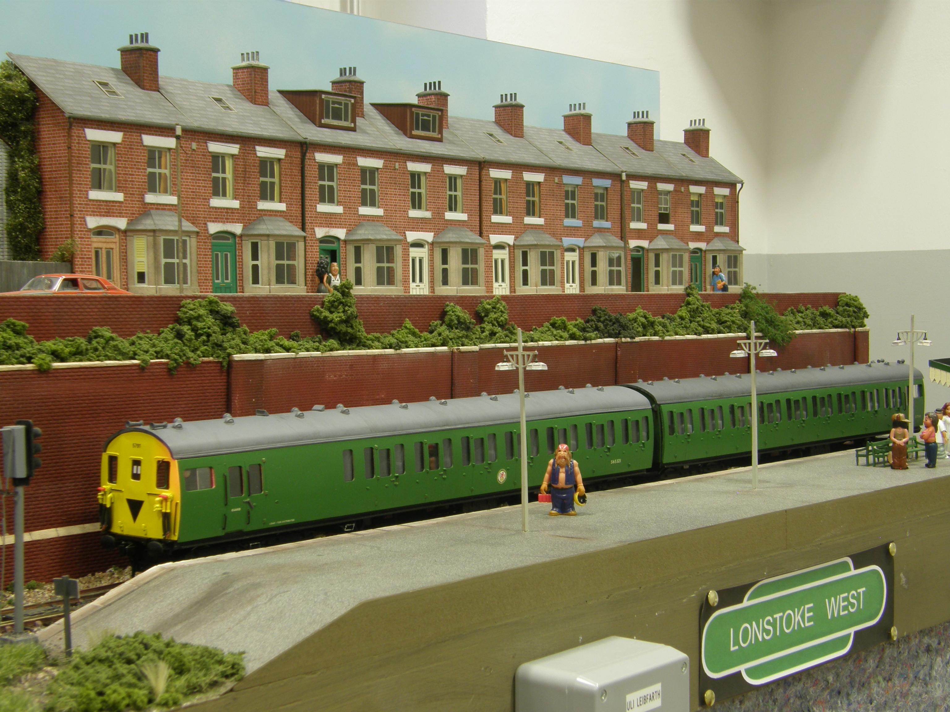 Platform Lonstoke West